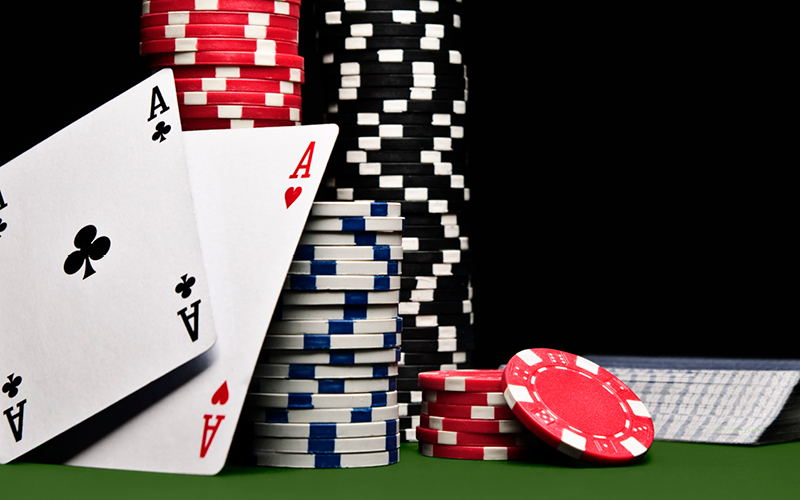 Decisions, experience, and skills in online poker