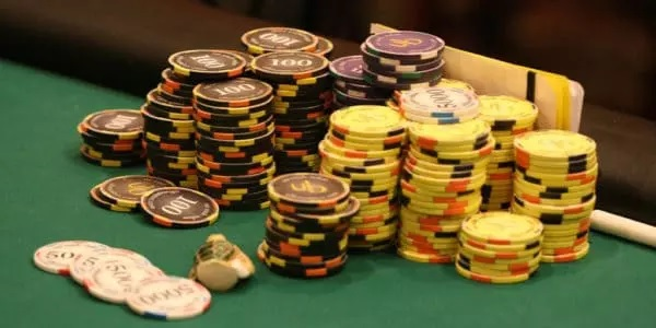 Poker tournament strategy for you: critical phases